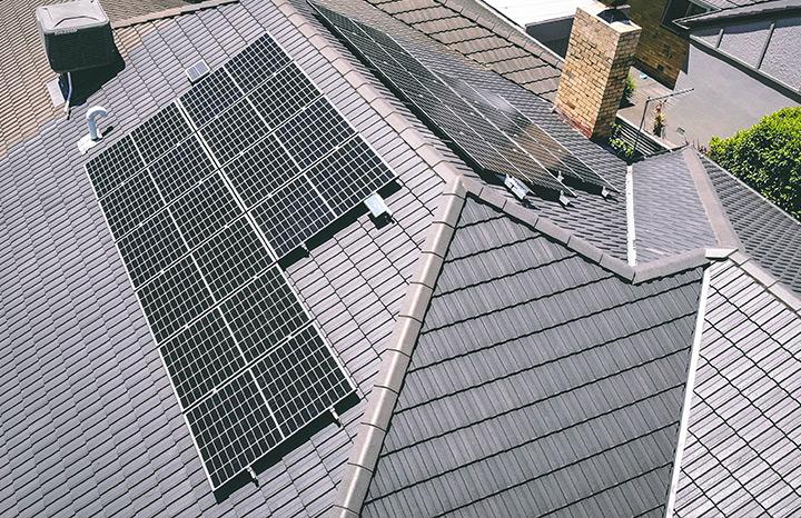 Paul B - Forrest Hill Residential Solar Install inverter